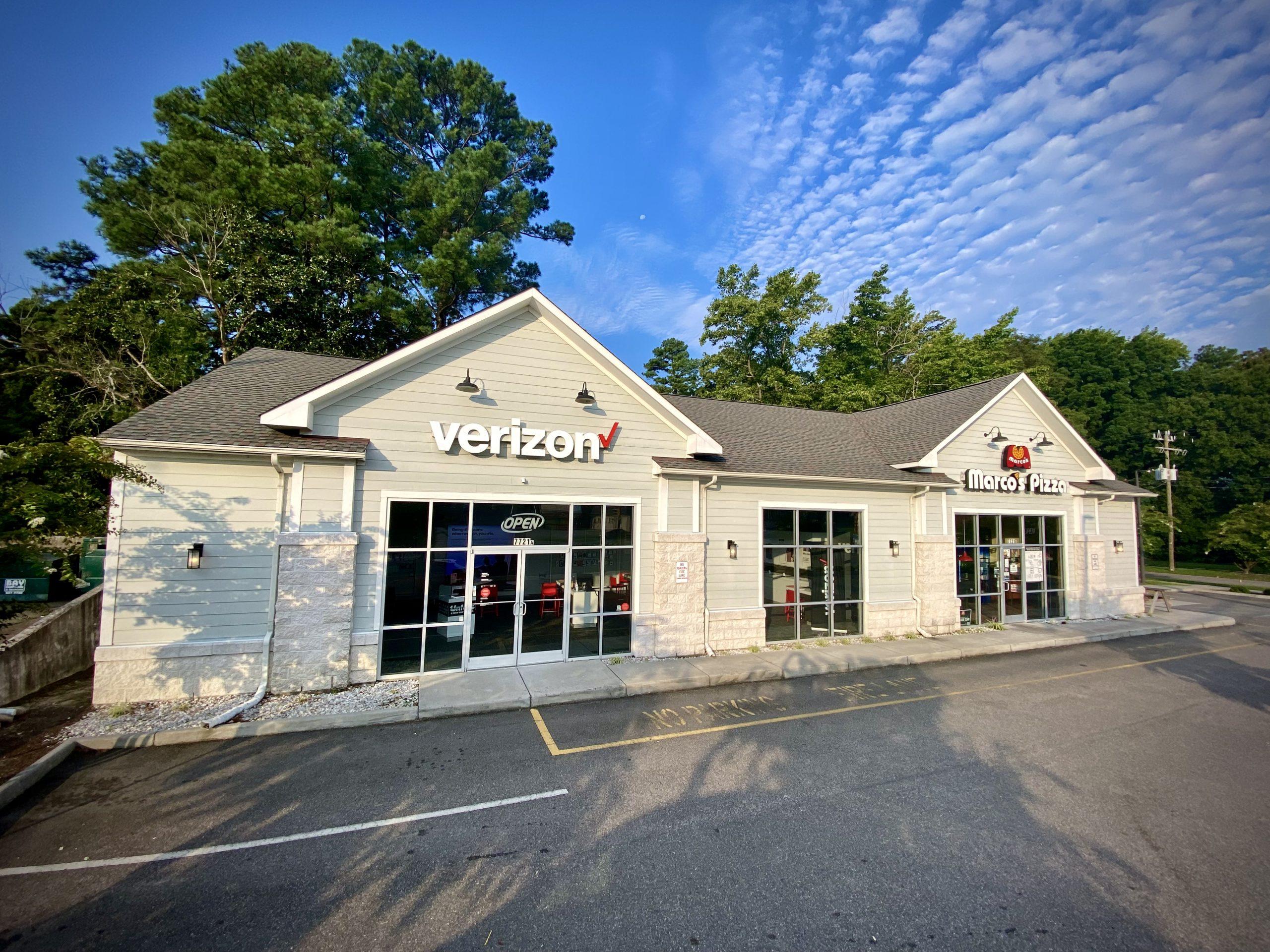 Verizon and Marco's Pizza building exterior on Hampton Blvd in Norfolk