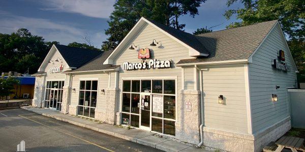 Marco's Pizza and Verizon buildings on Hampton Blvd in Norfolk